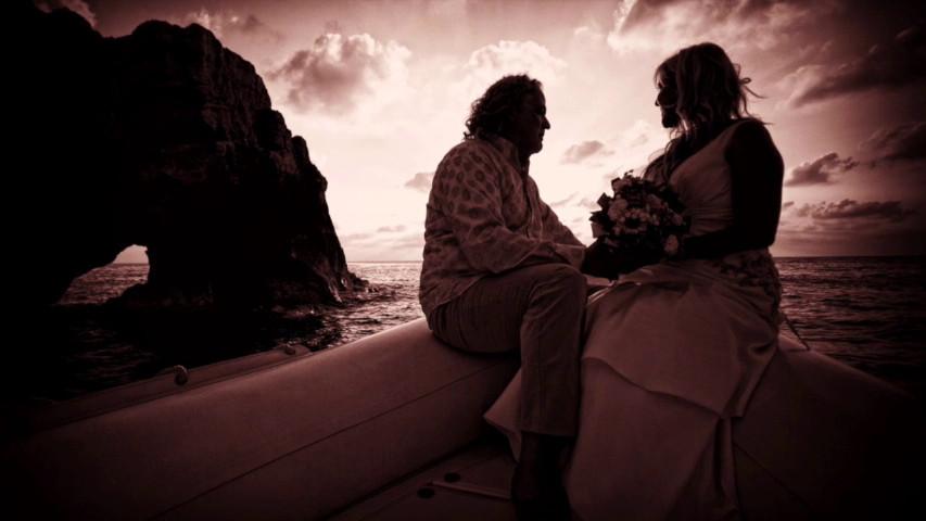 Matrimonio Spiaggia Tropea : Ricadi gigi d alessio sposa in spiaggia il suo bassista ecco le