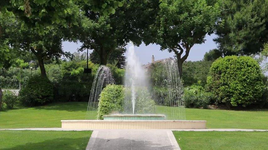 I giochi d 39 acqua al giardino liberty ristorante orso video - Giardino d acqua ...
