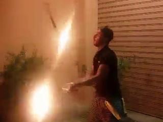 giocando con il fuoco