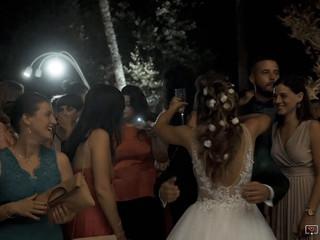 Un particolare matrimonio di 2 bellissime gemelle