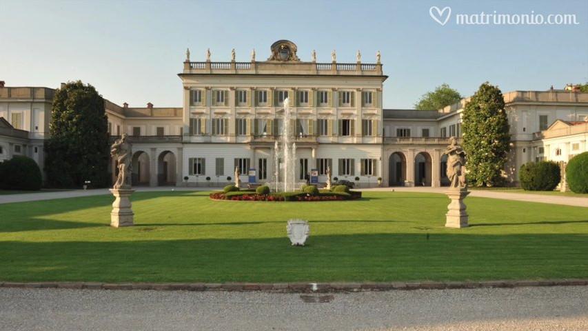 4e6892d7acbe Villa Borromeo