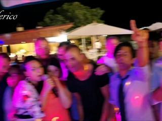 Al Karaoke si canta tutti.. stonati compresi