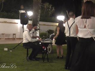 The ThreeG's Wedding Party, Gloria Gaynor - Can't take my eyes off you