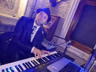 Dan Music in un esempio di matrimonio dall'eleganza al coinvolgimento