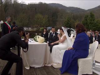 Lo sposo può baciare la sposa